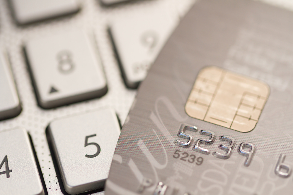 Scammers are Cashing In on the Chip-and-Pin Credit-Card Switch