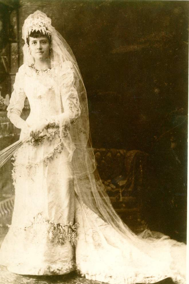 Pawn shop tracks down descendants of Feliciana wedding band's owner
