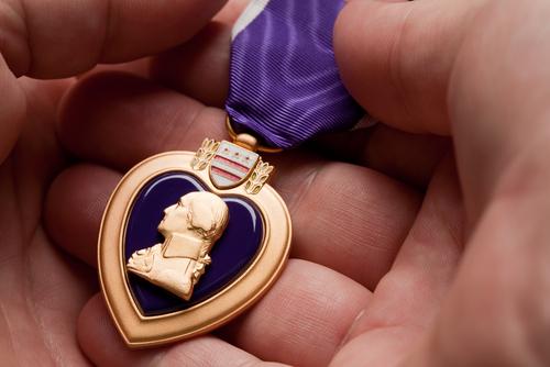 Pawn shop returns purple heart to Vietnam veteran